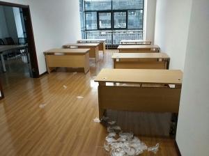 办公桌安装
